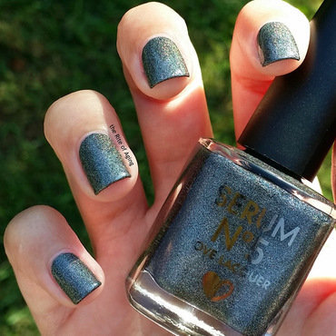 Serum No 5 Sleepy Holo Swatch by Monica