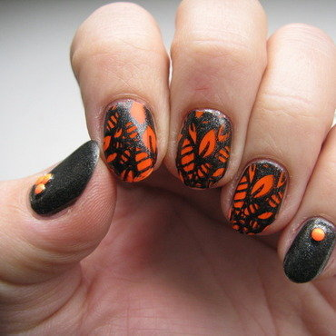 Neon leaves nail art by Nail Crazinesss