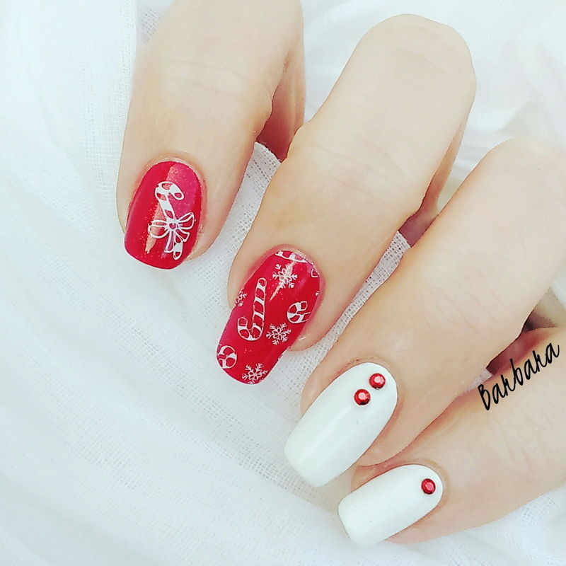 Candy Canes nail art by Les ongles de B.
