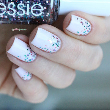 simple glitter gradient nail art by nathalie lapaillettefrondeuse