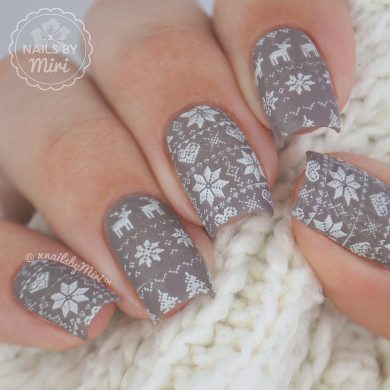 Christmas Sweater Stamp Nails nail art by xNailsByMiri