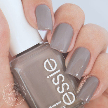 Essie Chinchilly Swatch by xNailsByMiri
