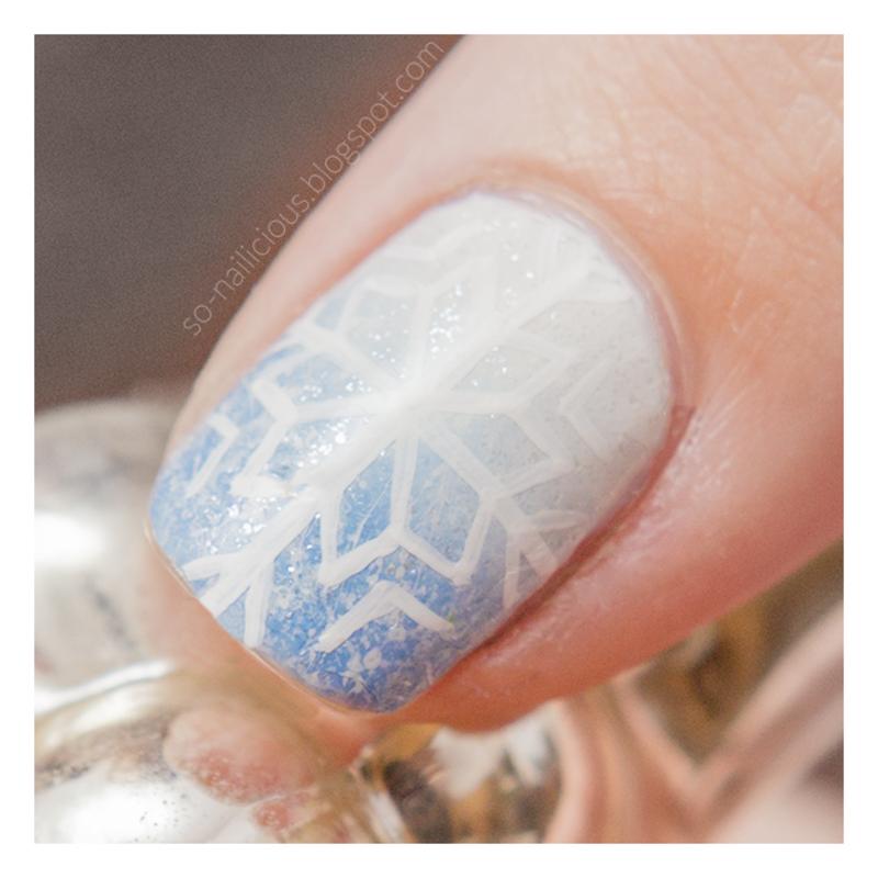 Snowflake nail art by Magdalena