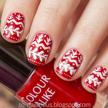 Christmas Sweater nail art by Magdalena