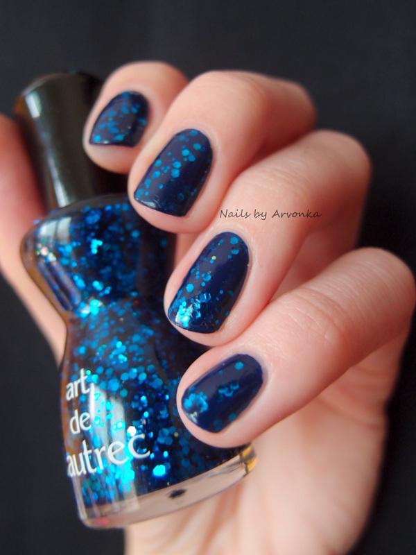 Blue Glitter Nails nail art by Veronika Sovcikova - Nailpolis ...