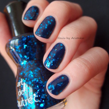 Blue Glitter Nails nail art by Veronika Sovcikova