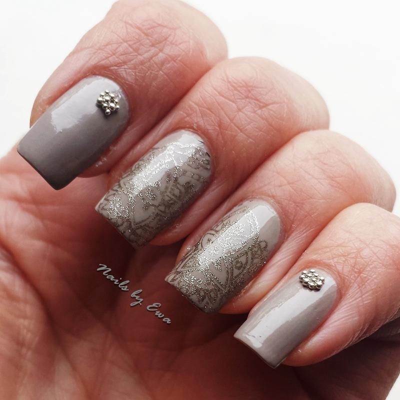 Stamped nails nail art by Ewa