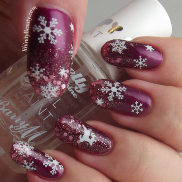 Sexy Snowflakes! nail art by Ithfifi Williams