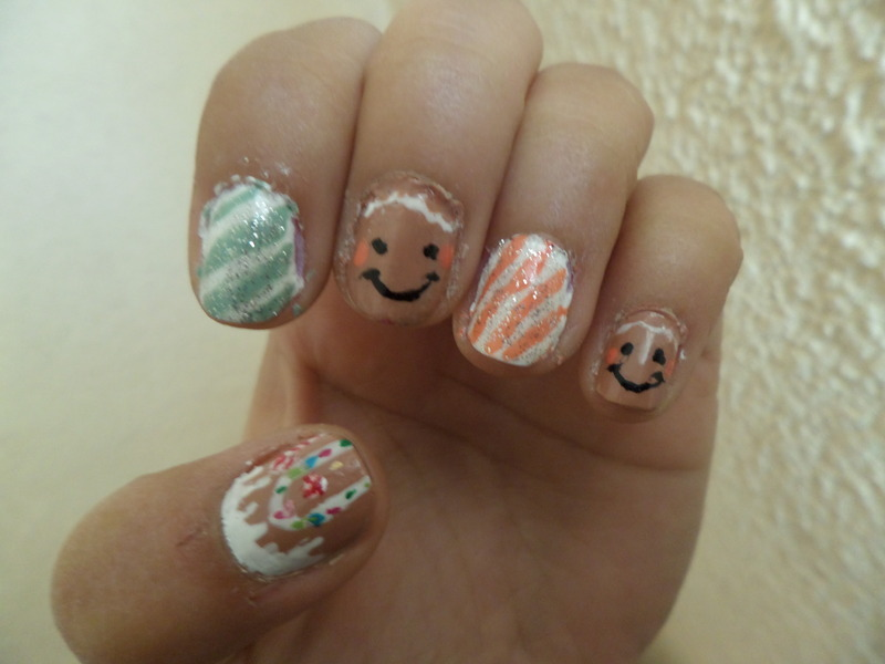 Gingerman cookies and house nail art by Luzazul