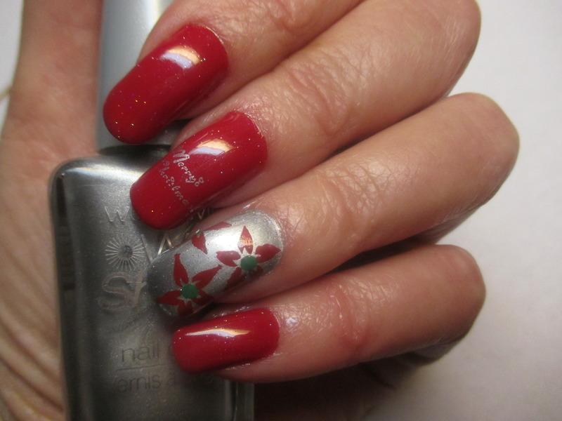 Christmas Poinsettias nail art by NinaB