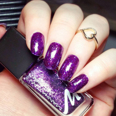 Manhattan 770 Sparkle Up Swatch by nailicious_1