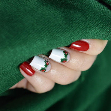 Holly christmas nails 20 2  thumb370f