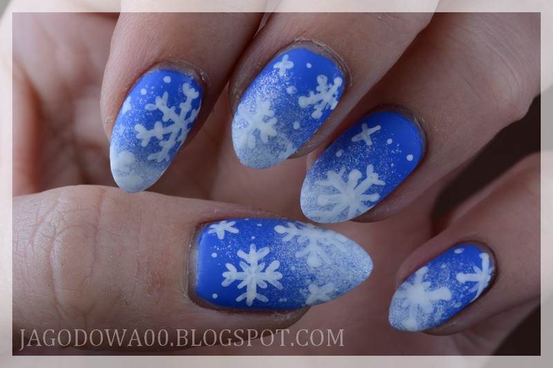 Let it snow! nail art by Jadwiga