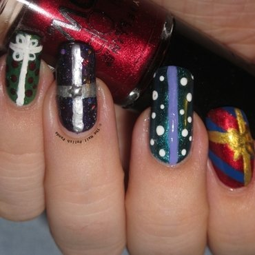 Christmas Presents nail art by Lynni V.