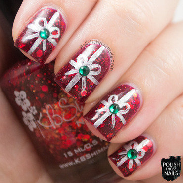 Red glitter silver bow presents nail art 4 thumb370f