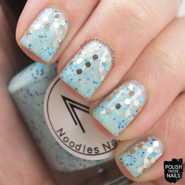 Blue winter glitter nail art 4 thumb370f