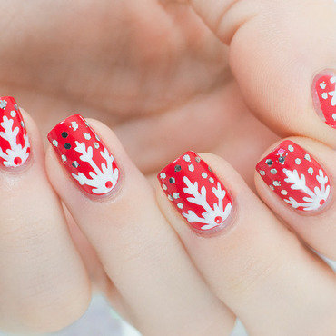 Red snowflakes nail art by Lacquered Obsession