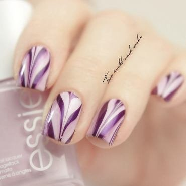 Watermarbling Nails nail art by Tine
