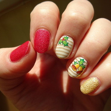 Christmas bells nail art by Nail Crazinesss