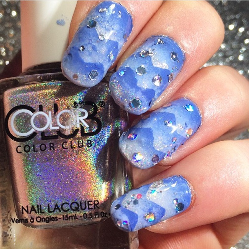 Winter Themed Triple Scaled Gradient nail art by Charlotte