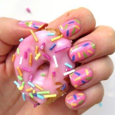 Donut nail art donuty z lukrem i cukrow c4 85 kolorow c4 85 posypk c4 85 zdj c4 99cie r c3 b3 c5 bcowy lukier thumb370f