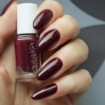 Essie in the lobby Swatch by Cranberry Fairy