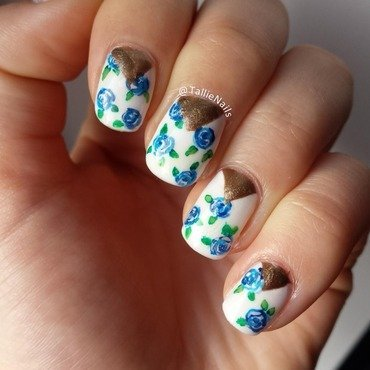 Chevron with Blue Roses nail art by Tallie