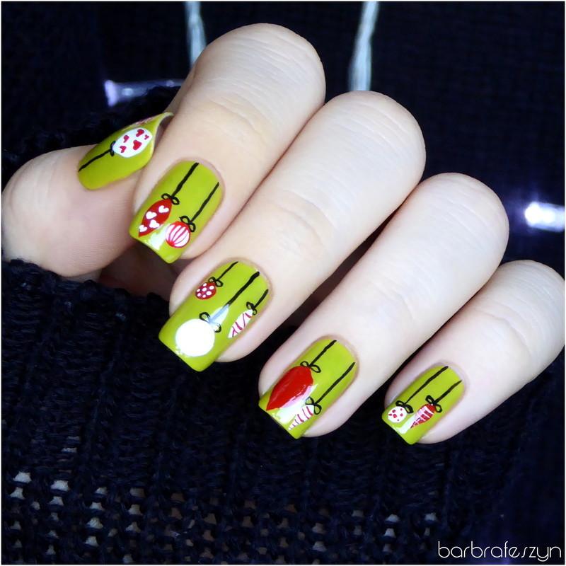 Christmas baubles nail art by barbrafeszyn