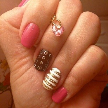 Pinky nail art by Elyana