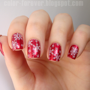 red & snowflakes nail art by ania