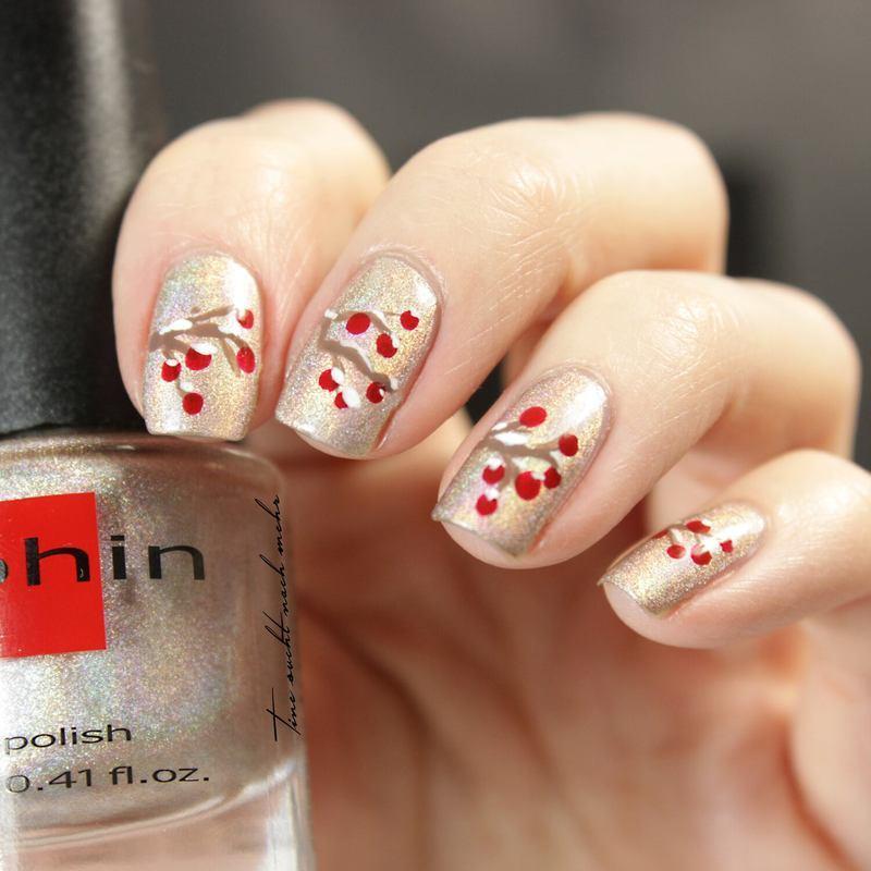 Winter Berries  nail art by Tine