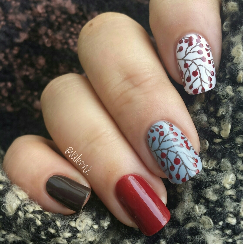 Winter flower  nail art by Valentina