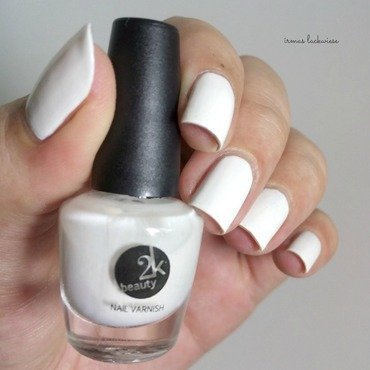 Beauty2k 20white 20 2b 20water 20marble 20nail 20art 20with 20essence 20 1  thumb370f