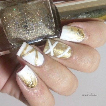 Nailart 20silvester 20new 20years 20eve 20white 20and 20gold 20 2  thumb370f