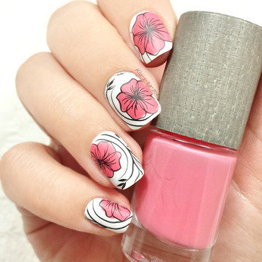 Flowers nail art by klo-s-to-me