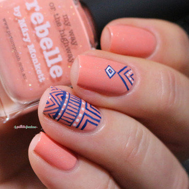 tribal print nail art by nathalie lapaillettefrondeuse