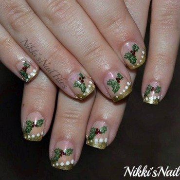 Holly Manicure nail art by nikkisnailfiles