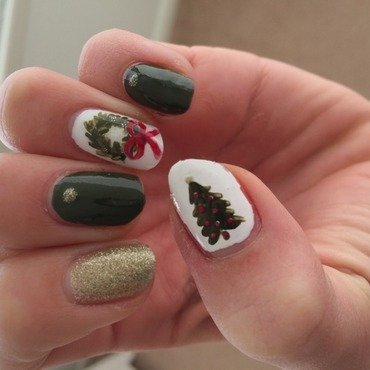 Christmas Nails nail art by Ella