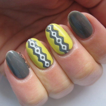 Chevron tape pattern nail art by specialle