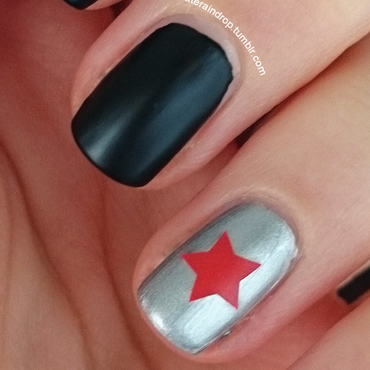 simple Captain America: The Winter Soldier manicure nail art by Raindrop