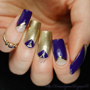 Royal Triangle Manicure nail art by Yue