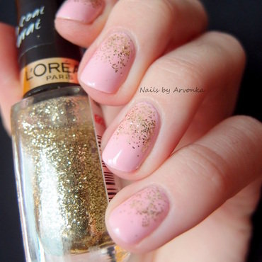 Glitter Princess Gradient nail art by Veronika Sovcikova