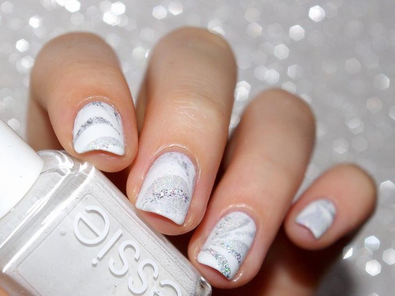 White watermarble  nail art by Bulleuw