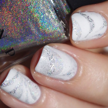 White Watermarble  nail art by Bulleuw