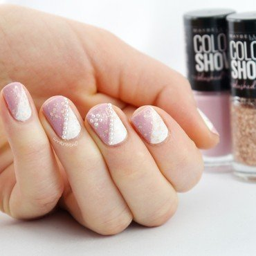 The Blushed Nudes Nails nail art by Ann-Kristin
