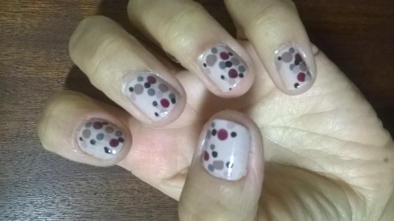 Polka Dots nail art by Avesur Europa