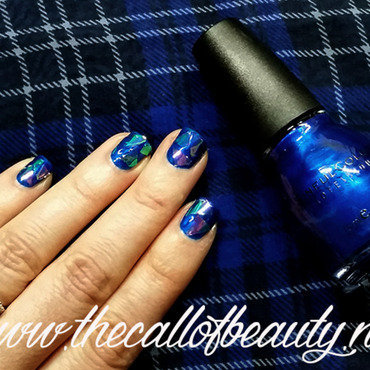Shattered Glass Manicure nail art by The Call of Beauty