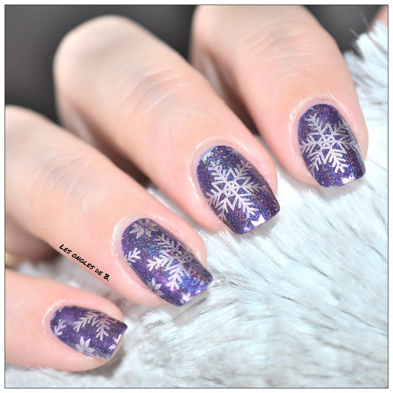 Snow nail art by Les ongles de B.