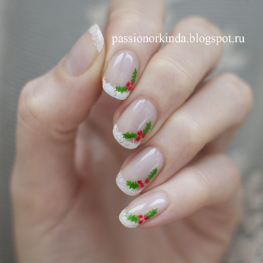 Christmas holly manicure nail art by Passionorkinda