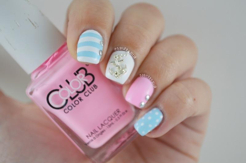 Pastel nautical nail art by Julia
